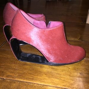 United Nude red cut out heel booties!